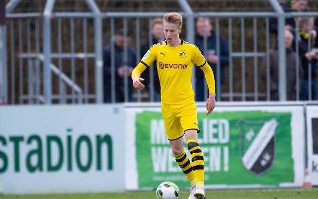 Chris Führich tritt in der kommenden Saison für den SC Paderborn gegen den Ball.