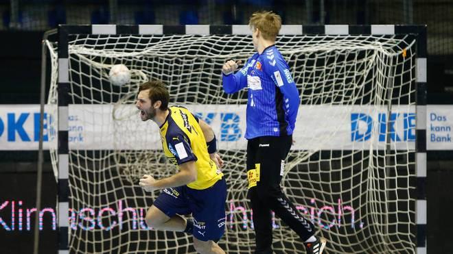 Uwe Gensheimer (l.) erzielte in Magdeburg sieben Tore für die Löwen