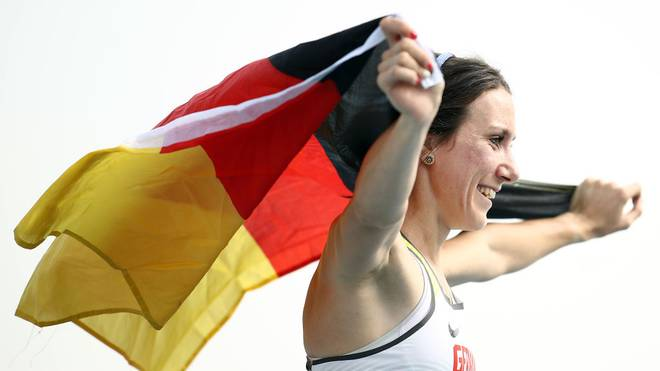 Irmgard Bensusan holt das erste Gold für Deutschland bei der Para-WM in Dubai