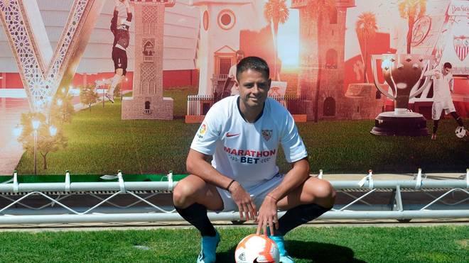 Javier Hernandez wird bei FC Sevilla am Deadline Day als Neuzugang präsentiert