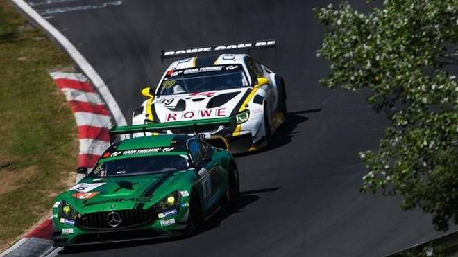 Das Duell des Rennens: Black-Falcon-Mercedes gegen Rowe-BMW