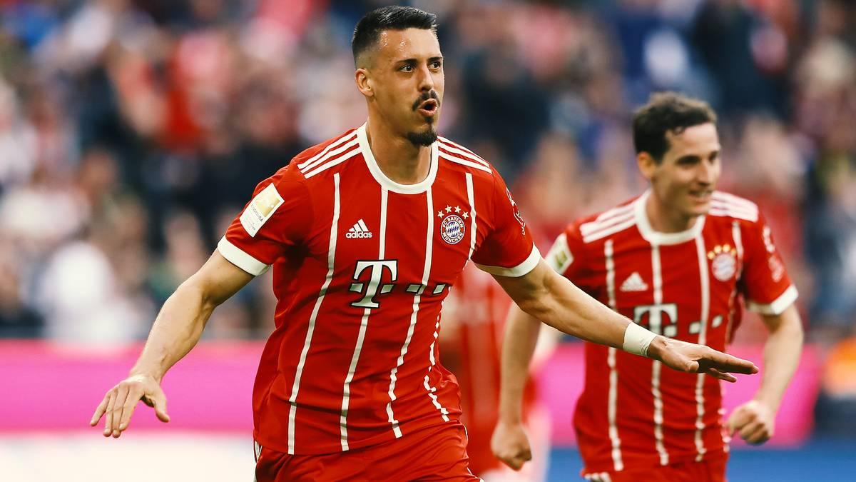 Sandro Wagner war vor ein paar Jahren noch Bundesliga-Dauertorschütze, Bayerns Edeljoker, Sprücheklopfer und selbsternannt bester Stürmer Deutschlands. Jetzt kickt er im Fernen Osten.
