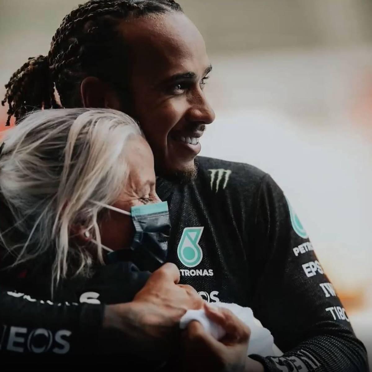 Traum-Duo! Das ist die coole Frau hinter Lewis Hamilton