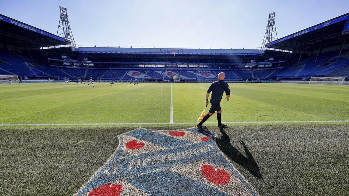 SC Heerenveen spielt vor 15.000 Teddy-Fans