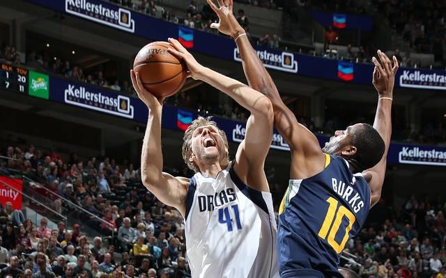 Dirk Nowitzki (l.) konnte die Niederlage der Dallas Mavericks nicht verhindern