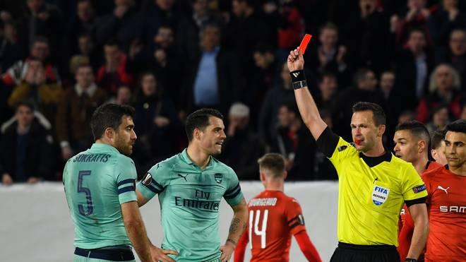 Ex-BVB-Profi Sokratis vom FC Arsenal flog nach zwei Fouls binnen sieben Minuten vom Platz