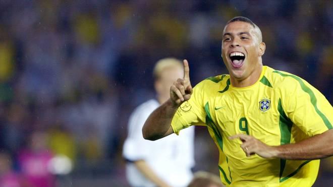 Ronaldo bejubelt seinen Treffer im WM-Finale 2002