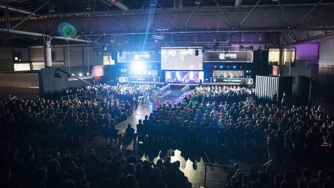 Das eSport-Festival DreamHack Leipzig lockt viele tausende Besucher in die Messehallen.