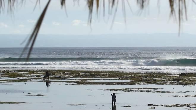 Drama auf Lombok: Surfer überlebt heftigen Wipe Out