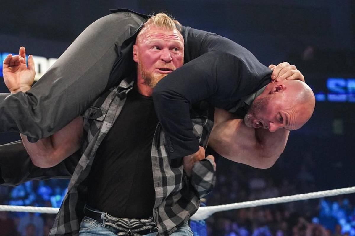 """Brock Lesnar rächt sich bei WWE Friday Night SmackDown für die unfaire Niederlage gegen Roman Reigns - eine wilde Prügelei endet mit einer """"Suspendierung""""."""