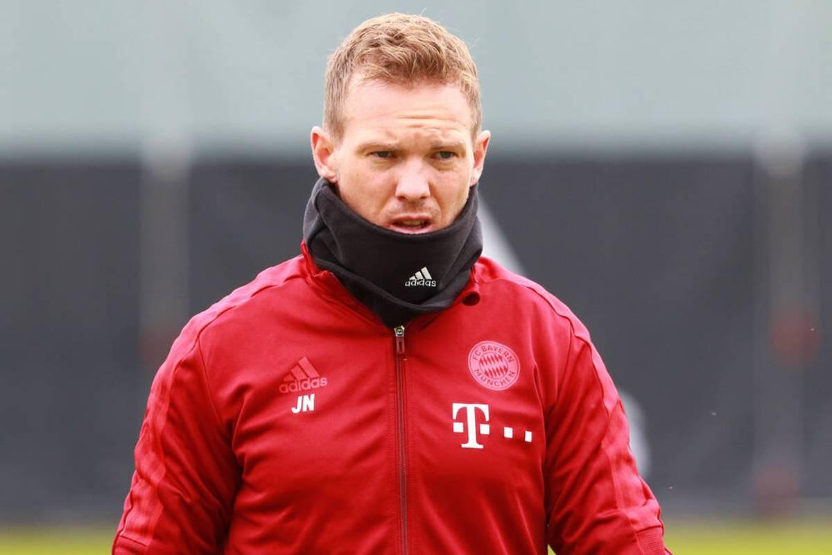 Der FC Bayern gibt seine erste PK nach dem positiven Corona-Test von Julian Nagelsmann. Der Chefcoach spricht über seine Erkrankung und die ungeimpften Bayern-Spieler.