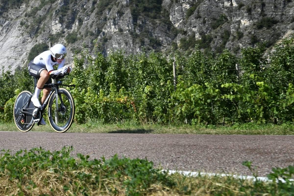 Bahnrad-Olympiasiegerin Lisa Brennauer ist bei ihrem ersten Einsatz bei der Straßen-WM in Belgien nur knapp an einer Medaille vorbeigefahren.