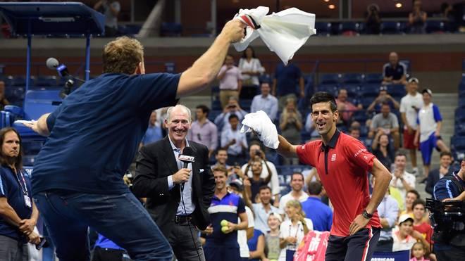 Novak Djokovic legte mit einem Fan einen Tanz auf den Court