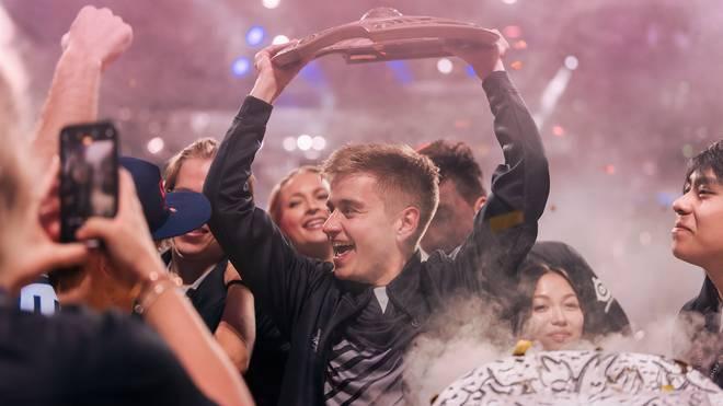 Dota2-Weltmeister N0tail ist der reichste eSportler aller Zeiten. Erstmalig präsentierte er seine Villa