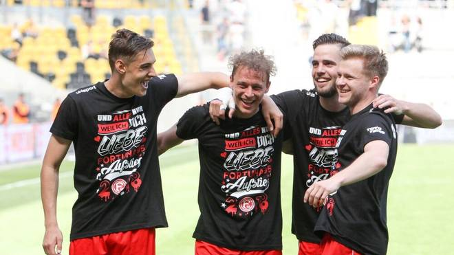 Florian Neuhaus (links) und Kollegen begrüßen den Anlauf mit Fortuna Düsseldorf