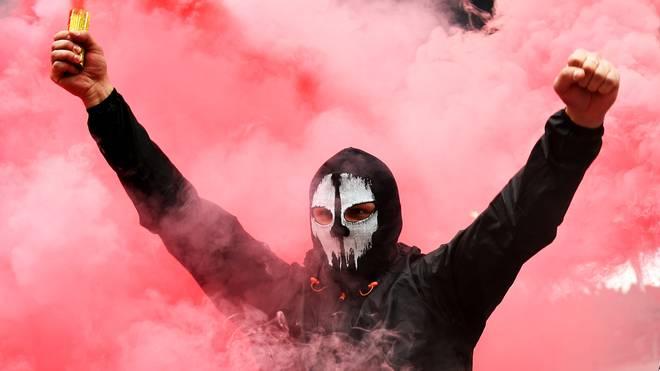 Anhänger von Spartak Moskau haben gegen Liverpool gegen die UEFA demonstriert