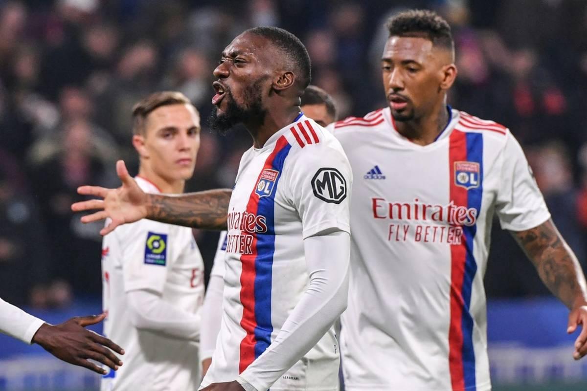 Ex-Nationalspieler Jerome Boateng hat mit Olympique Lyon in der französischen Ligue 1 die Aufholjagd von Kevin Vollands AS Monaco gestoppt.