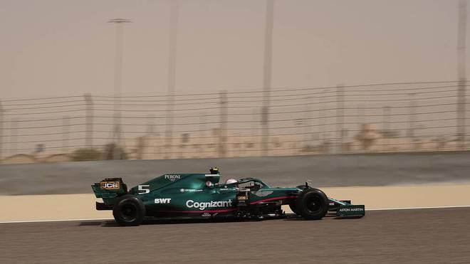 Sebastian Vettel beim zweiten Tag der Testfahrten in Bahrain