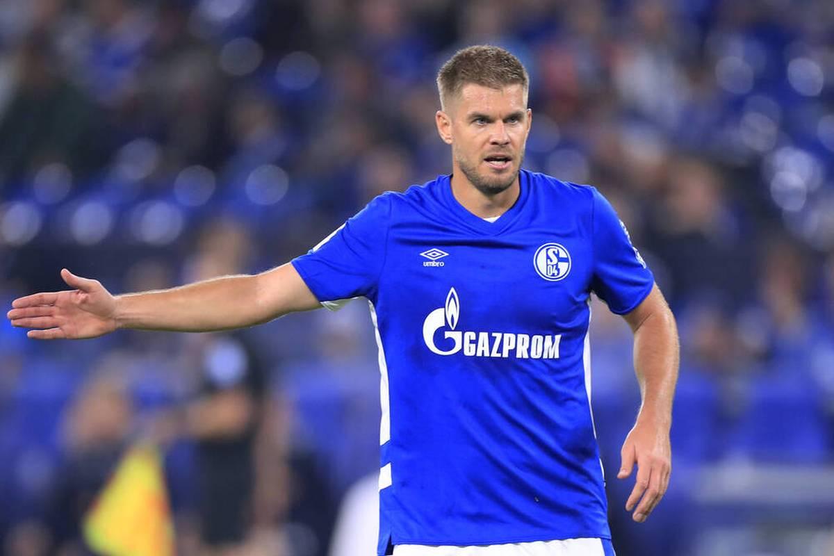 Der FC Schalke 04 will im Topspiel der 2. Bundesliga gegen Aufsteiger Hansa Rostock zurück in die Erfolgsspur - SPORT1 überträgt am Samstag ab 19.30 Uhr LIVE im TV und Stream.
