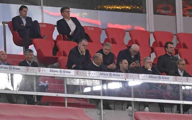 Auch Ex-Schalke-Boss Clemens Tönnies verfolgte das Spiel auf der Tribüne