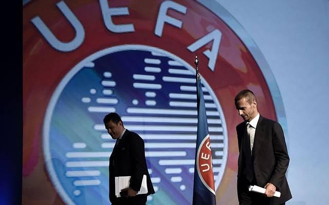 Die UEFA beschließt ein Maßnahme, um den Vereinen finanziell unter die Arme greifen zu können