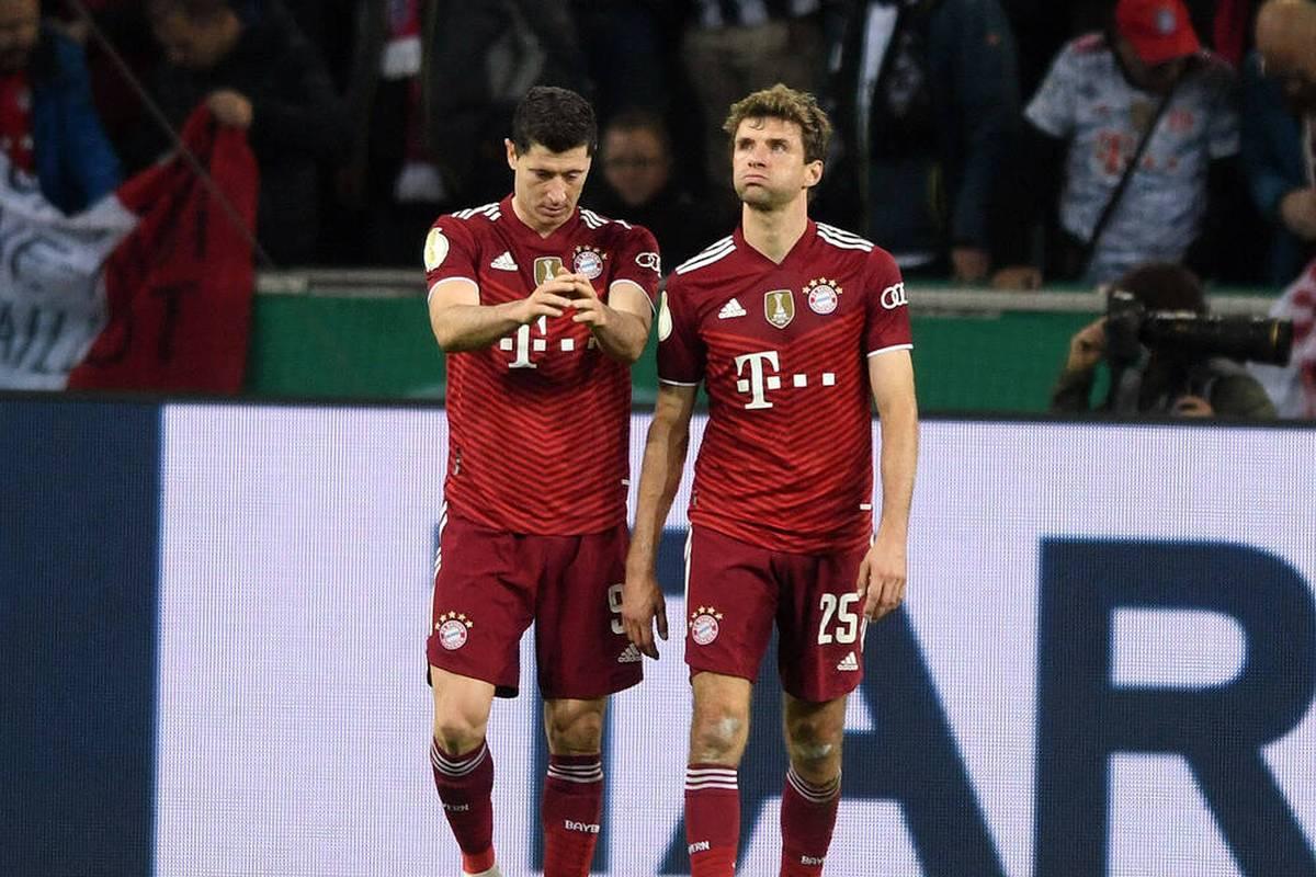Der FC Bayern kassiert in Gladbach eine historische Schlappe. Die Protagonisten ordnen das Fiasko des Rekordmeisters ein.