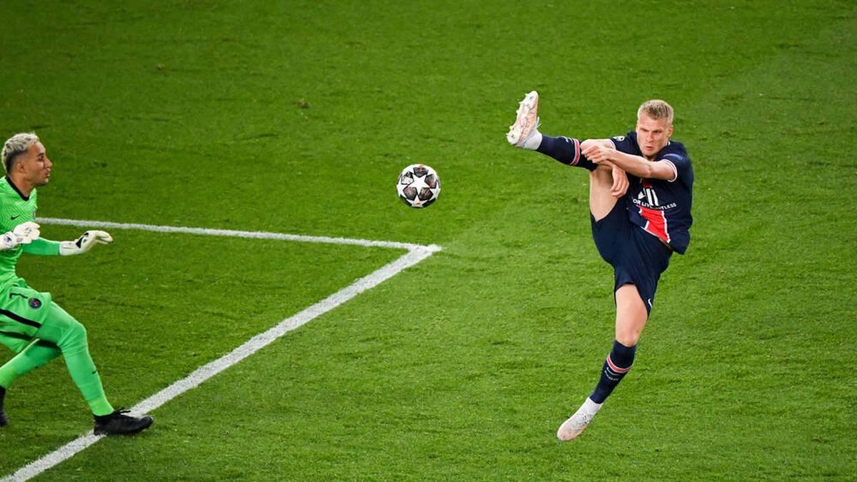 Mitchel Bakker (r.) wechselt zu Bayer Leverkusen
