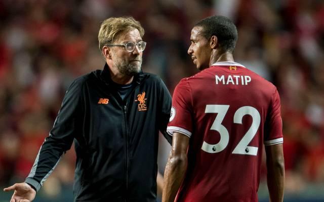 Jürgen Klopp (l.) holte Joel Matip nach Liverpool