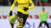 MAINZ, GERMANY - DECEMBER 14: Manuel Akanji of Borussia Dortmund in action during the Bundesliga match between 1. FSV Mainz 05 and Borussia Dortmund at Opel Arena on December 14, 2019 in Mainz, Germany. (Photo by Christian Kaspar-Bartke/Bongarts/Getty Images)