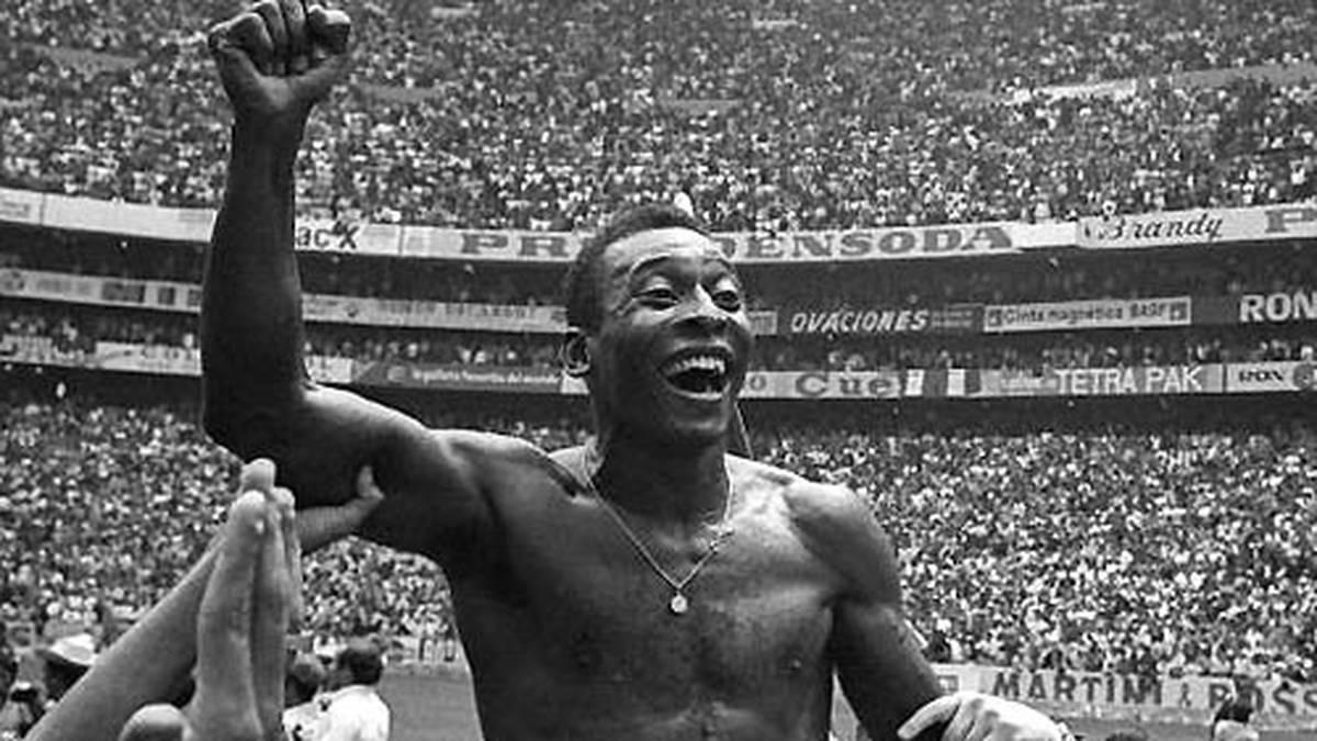 Auf Schultern getragen wird er öfters. Gleich dreimal wird er Weltmeister: 1958, 1962 und 1970. Nach Ende seiner aktiven Karriere wird er zum weltweiten Sympathieträger