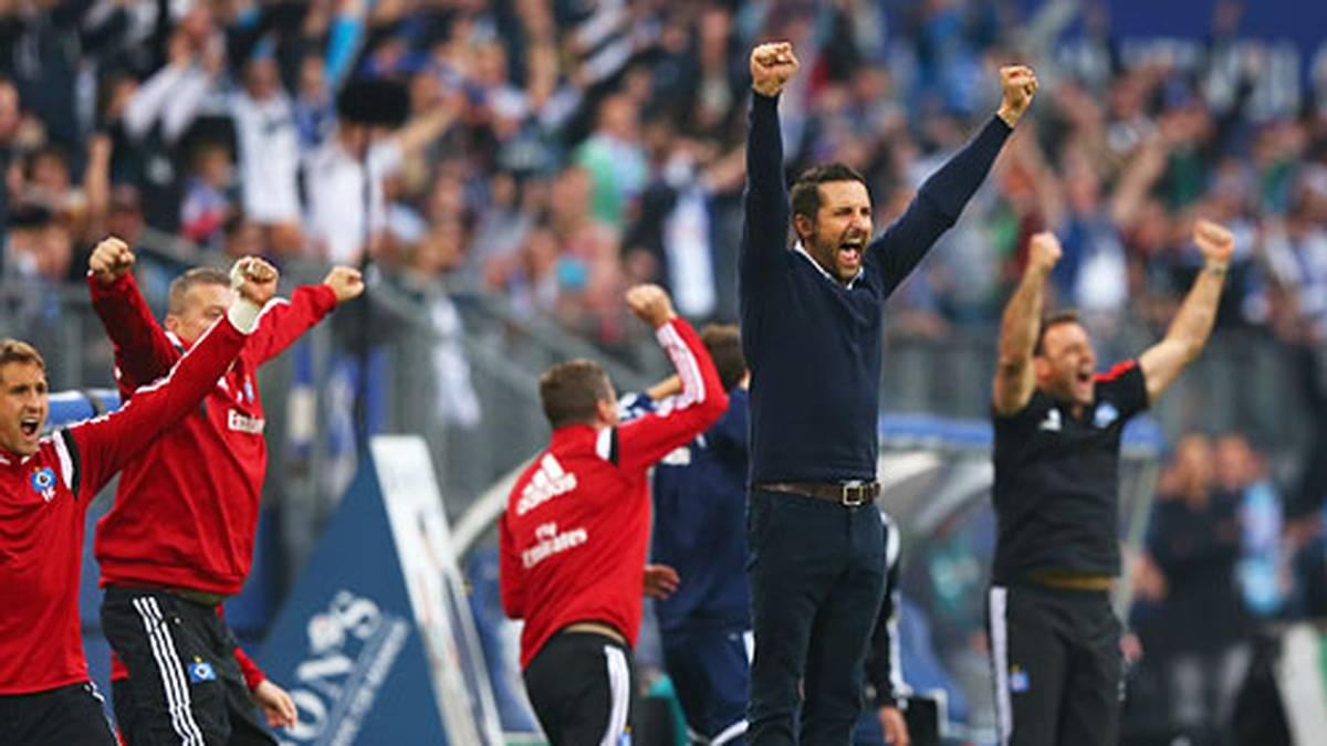Was für ein Jubel, was für eine Erleichterung! Nicolai Müller erzielt beim 1:1 gegen Frankfurt das erste Saisontor für den HSV und lässt seinen Trainer Joe Zinnbauer in die Höhe springen