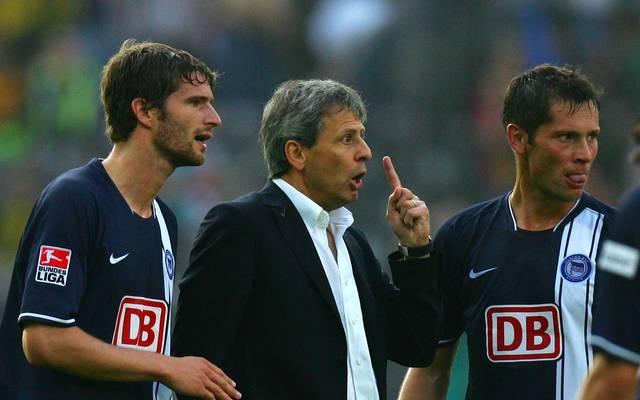 Pal Dardai (r.) trainierte 2007 noch unter Coach Lucien Favre (m) bei Hertha BSC