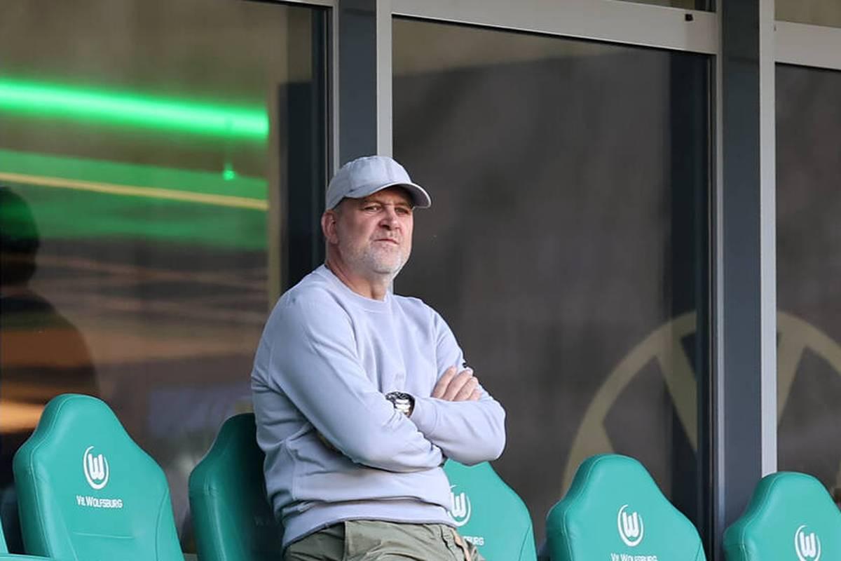 Nach übereinstimmenden Medienberichten verpflichtet der VfL Wolfsburg Florian Kohfeldt als neuen Trainer. Der frühere Coach von Werder Bremen übernimmt demnach für den gefeuerten Mark van Bommel.