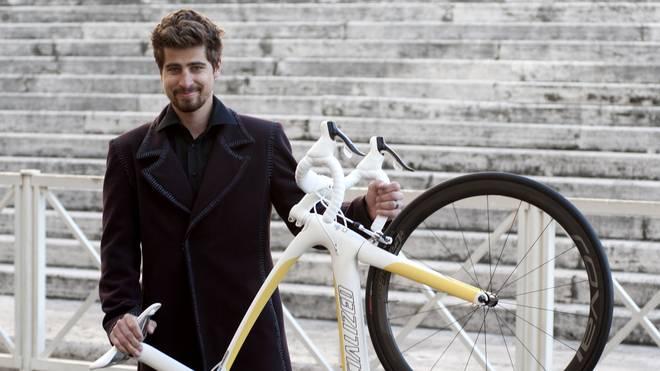 Peter Sagan schenkt dem Papst dieses Fahrrad