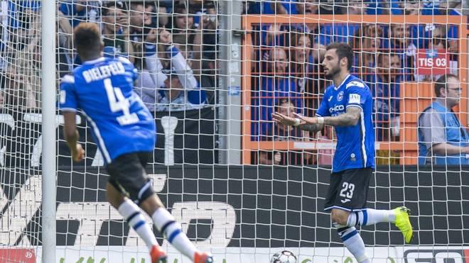 Jonathan Clauss (r.) sorgte für den Sieg von Arminia Bielefeld gegen Holstein Kiel