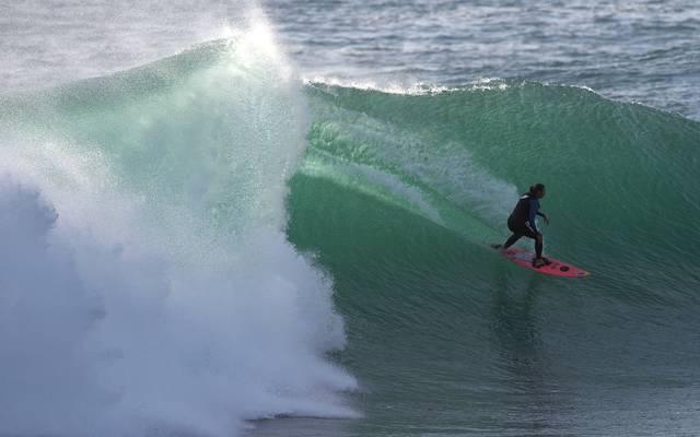 PORTUGAL-SURF-BRAZIL-WAVE-GABEIRA