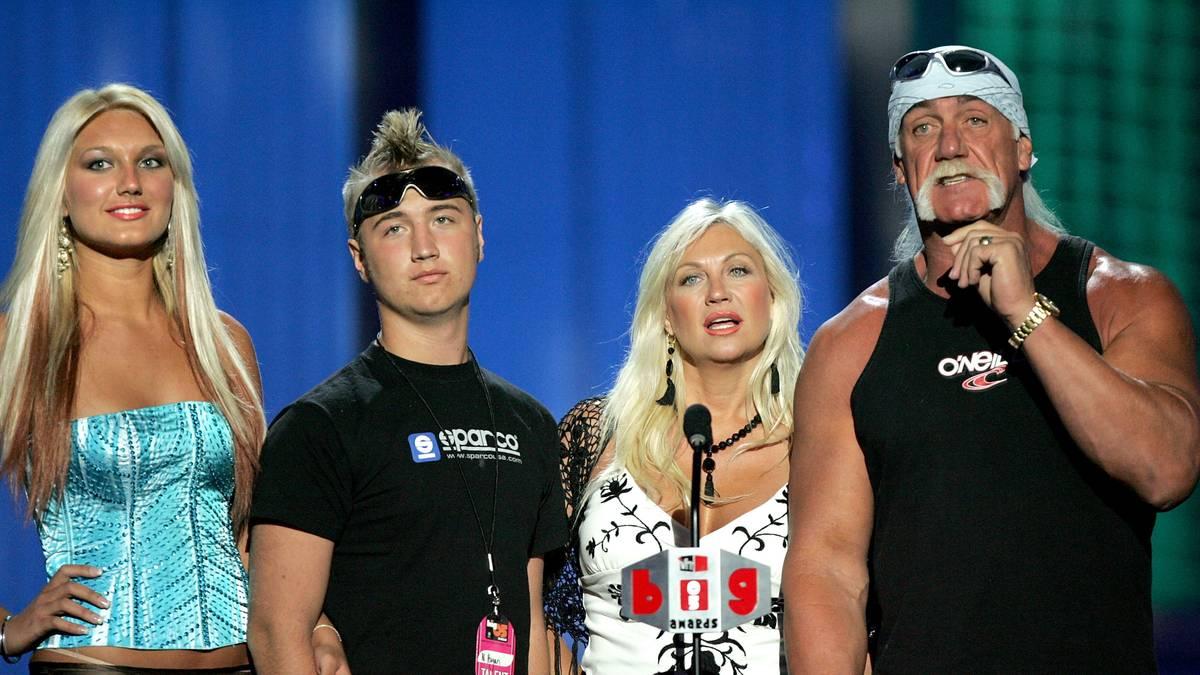 """Tochter Brooke Hogan, Sohn Nick und Ex-Frau Linda traten mit dem Familienoberhaupt in """"Hogan knows best"""" auf"""