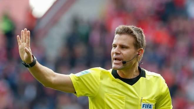 Normalerweise ist Felix Brych für Spiele des FC ayern gesperrt