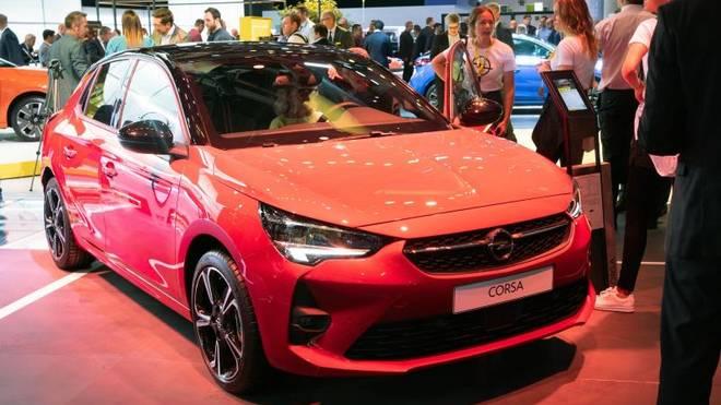 Opel präsentiert das jüngste Facelift des Corsa - und erstmals eine vollelektrische Version des bekannten Kleinwagens
