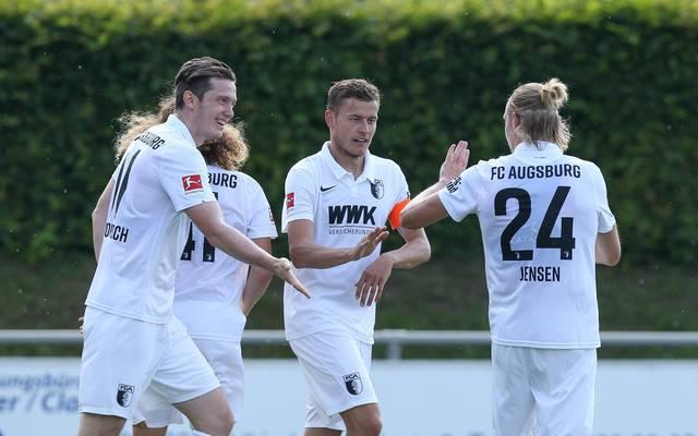 Der FC Augsburg feiert einen Kantersieg