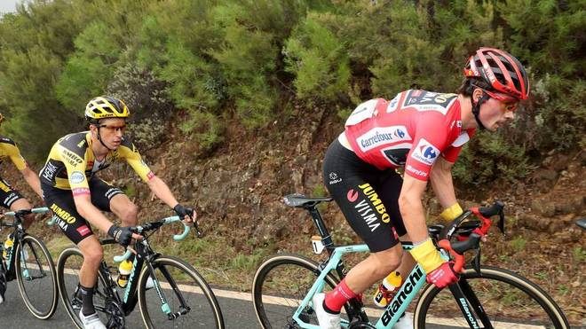Primoz Roglic (r.) hat die Vuelta bereits 2019 gewonnen