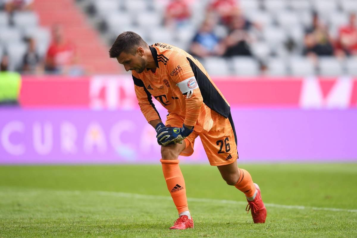 Bayerns Torhüter Sven Ulreich verletzt sich beim Training des Rekordmeisters und droht auszufallen. Später muss auch Jamal Musiala leiden.