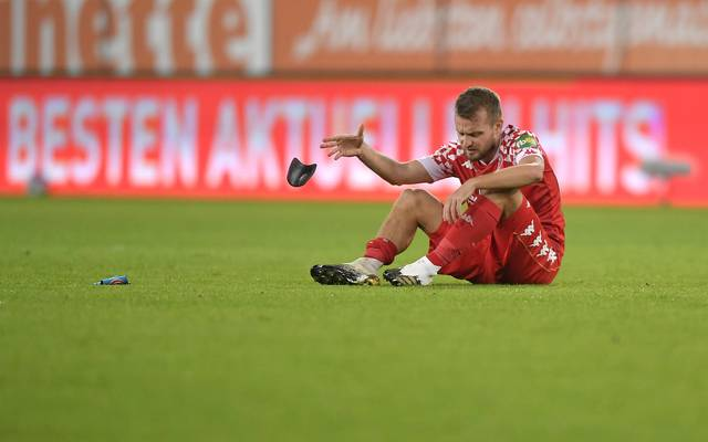FSV-Kapitän Daniel Brosinski war nach dem 1:3 seiner Mannschaft in Augsburg bedient