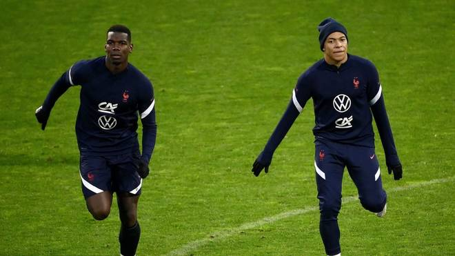 Kylian Mbappé (r.) fällt gegen Portugal aus