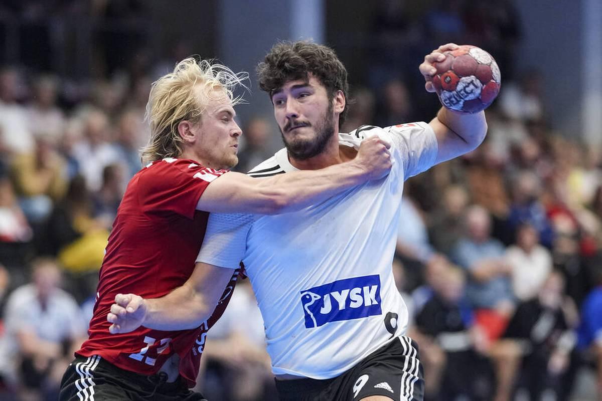 Handball-Bundesligist HSV Hamburg hat den dänischen Nationalspieler Jacob Lassen verpflichtet.
