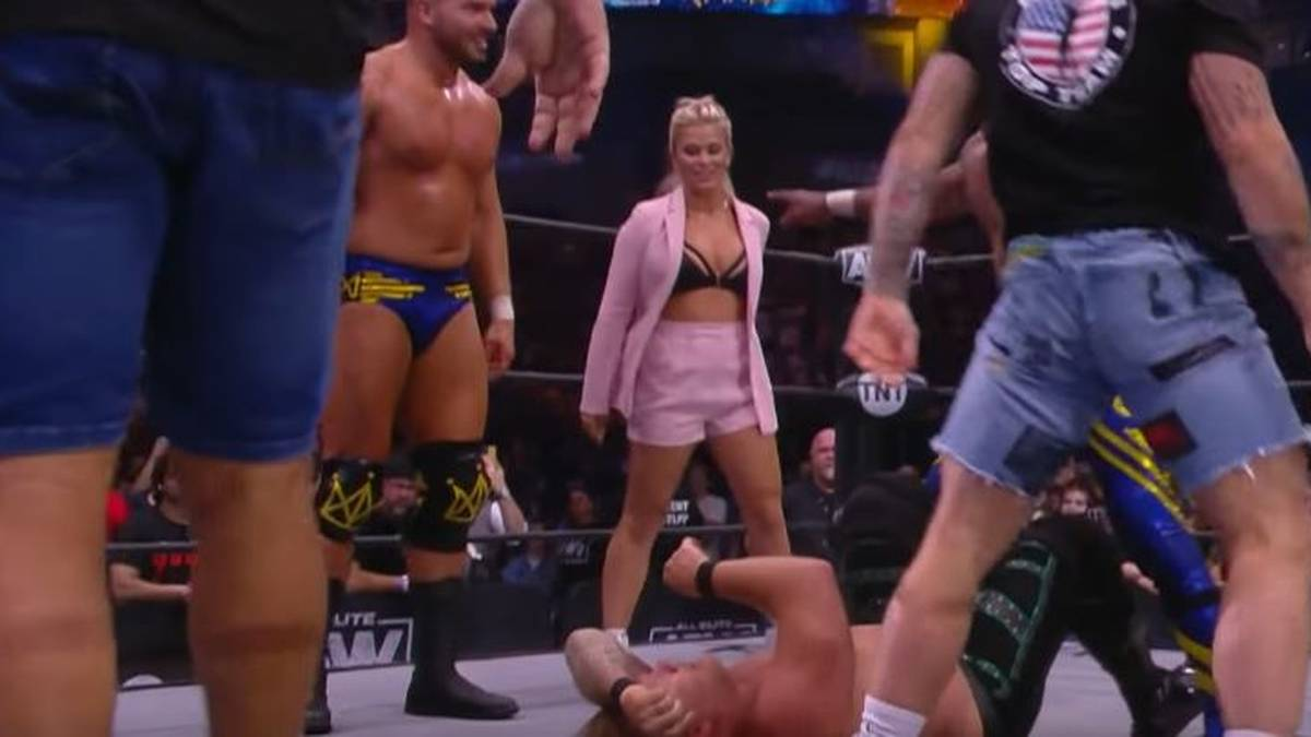 Kampfsport-Beauty VanZant demütigt Wrestling-Legende