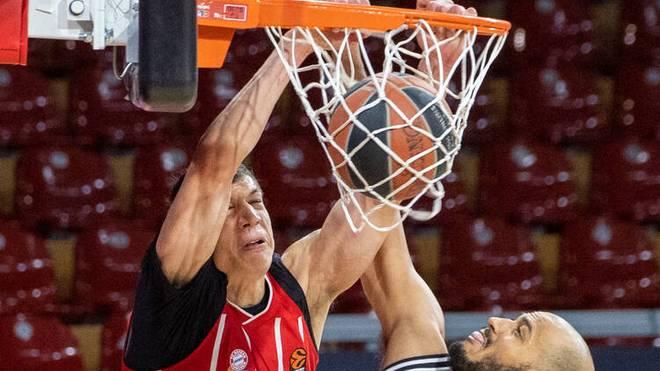 Vladimir Lucic setzt zum entscheidenden Dunking gegen Mailand an