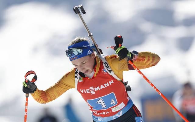 Franziska Preuß (r.) brauchte in der Staffel keinen Nachlader und sicherte Silber