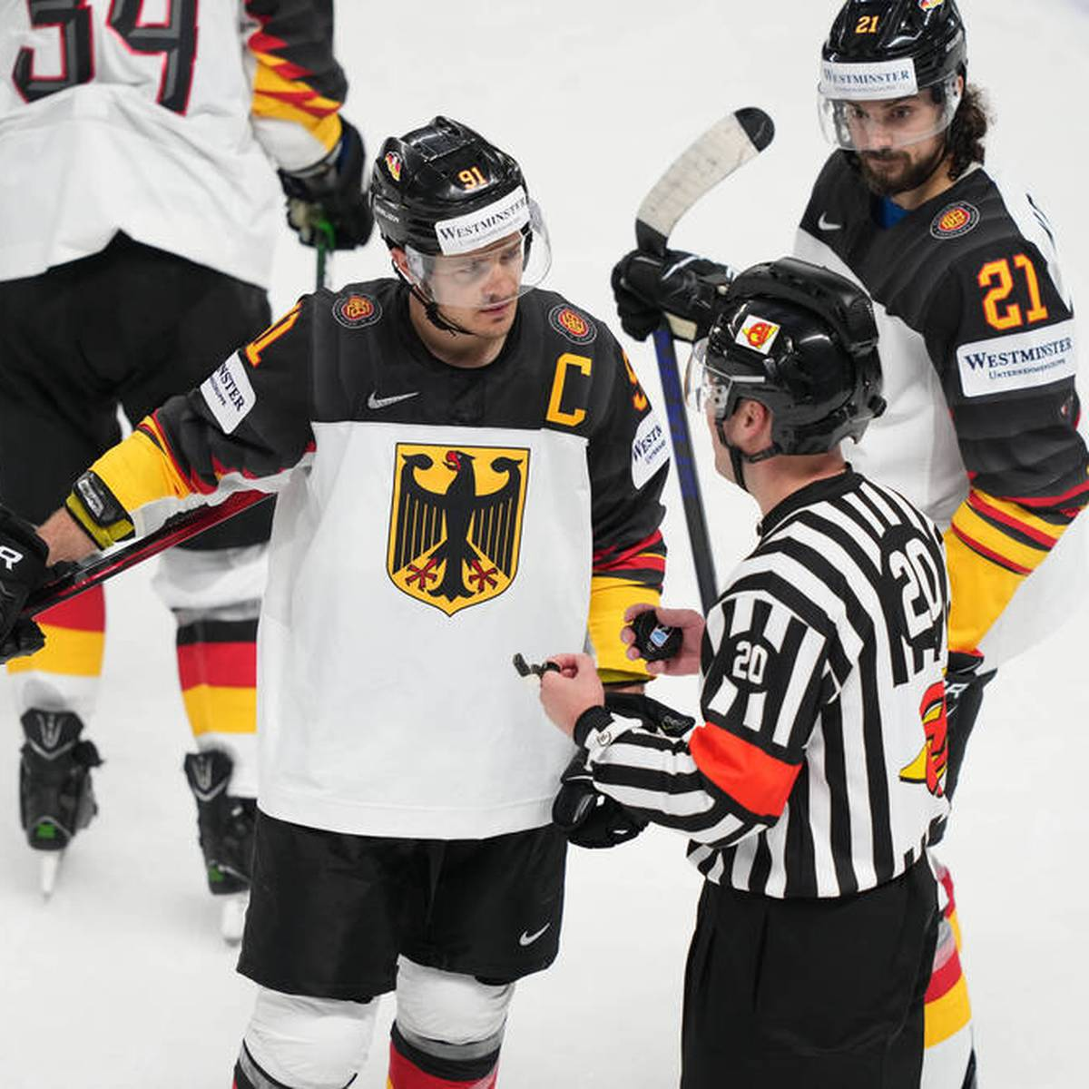 """""""Ärgerlich"""": DEB-Kapitän spricht über Check gegen Reichel"""