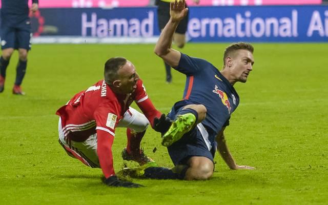 RB Leipzig (r.: Stefan Ilsanker) erwartet am Mittwoch den FC Bayern (l.: Franck Ribery)